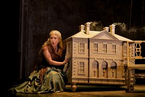 """Joelle Harvey as Seleuce in Glimmerglass's """"Tolomeo"""""""