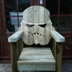 via http://www.moviecitizens.com/star-wars-stormtrooper-deck-chair/